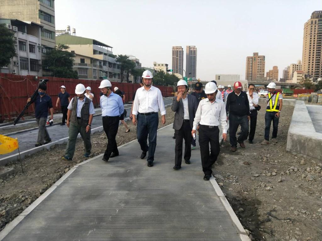市長視察鐵路地下化綠園道___金川街至華安街綠廊